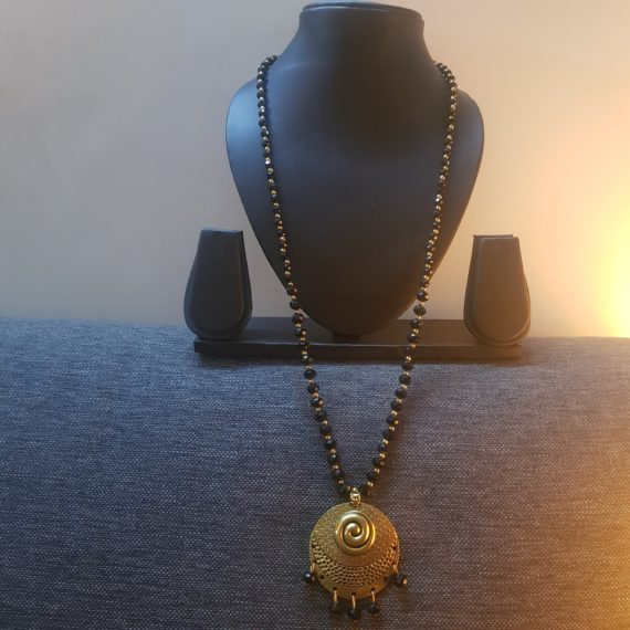 Gold and Black Stones Necklace