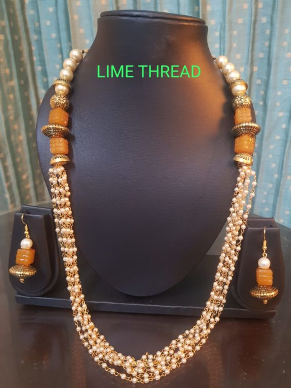 Off White Pearls Necklace Set